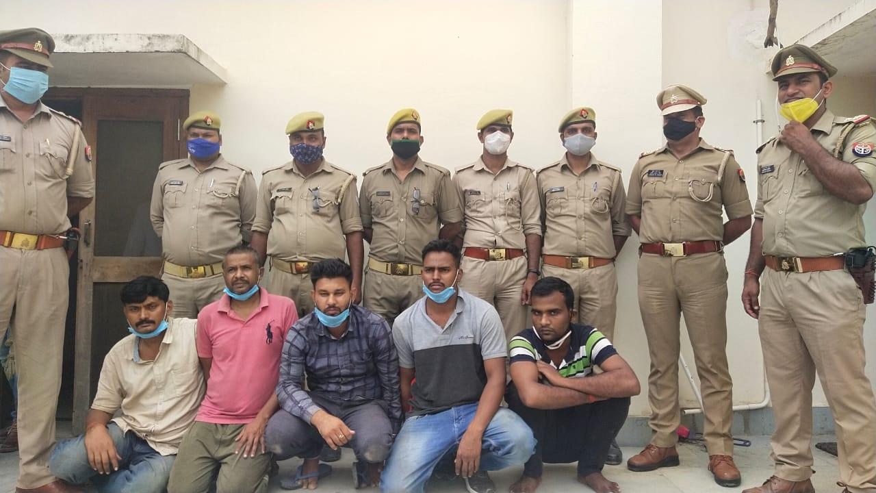 गिरोह का सरगना 4 बदमाशों के साथ गिरफ्तार, 19 लाख रुपए लेकर भागे शूटर और उसके 2 साथियों की तलाश जारी|वाराणसी,Varanasi - Dainik Bhaskar
