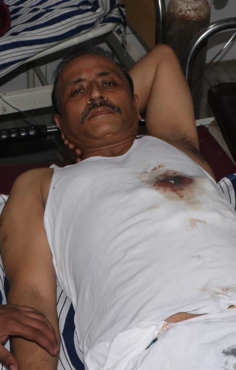 दो माह से चल रहा था इलाज, दवा न देने पर दबंग ने मारी थी गोली, 24 घंटे के भीतर दबोचे गए थे तीन आरोपी|वाराणसी,Varanasi - Dainik Bhaskar