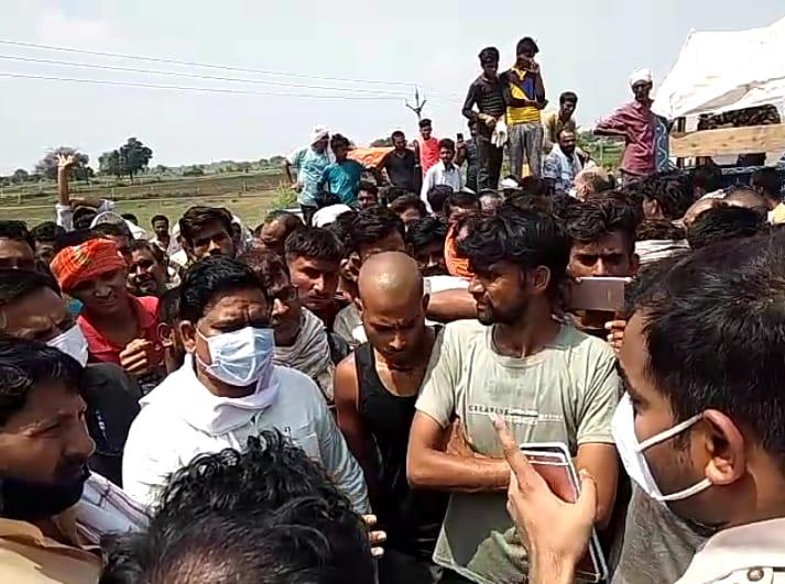 हाल ही में विधायक कमलेश जाटव का अमोलपुरा में SDO के गनर से विवाद हुआ था। इसके बाद उनके समर्थन में जौरा विधायक सुबेदार ने बयान दिया है।