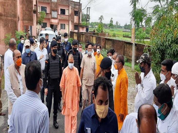 CM ने किया महंत अवैद्यनाथ राजकीय महाविद्यालय और स्टेडियम का निरीक्षण, बोले-गुणवत्ता से किसी तरह का समझौता बर्दाश्त नहीं|गोरखपुर,Gorakhpur - Dainik Bhaskar