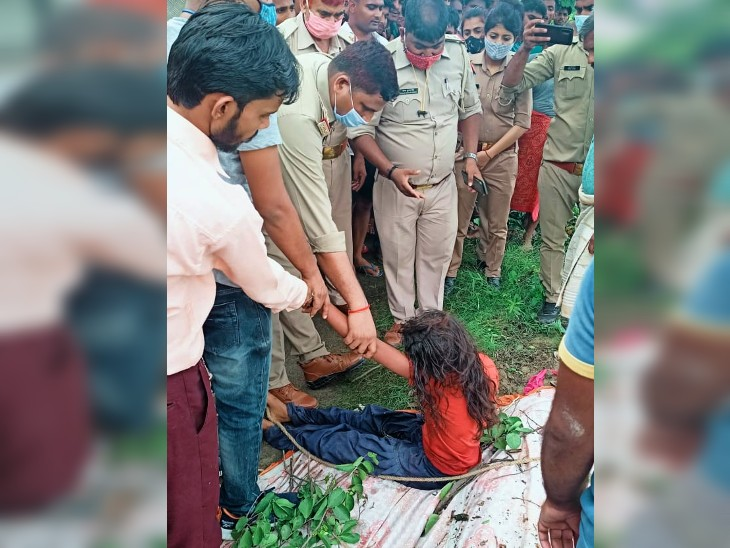 5 घंटे हाई वोल्टेज ड्रामा करती रही किशोरी, घरवाले करते रहे मिन्नतें। फायर ब्रिगेड कर्मियों ने नीचे उतारा। - Dainik Bhaskar