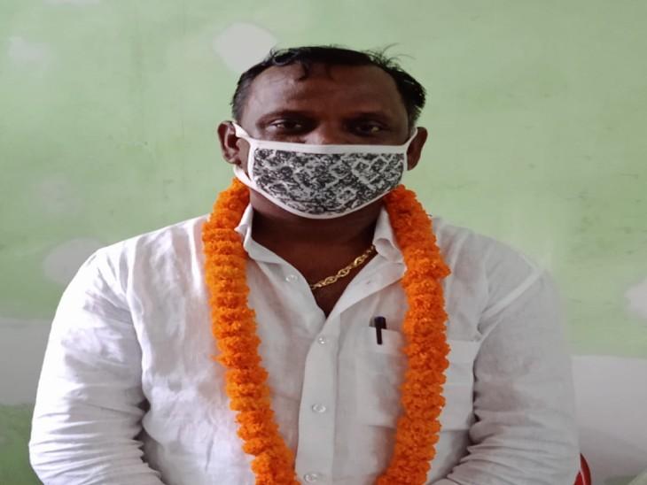 गोरखपुर में जिसपर लगा है रेप के आरोप, अखिलेश यादव ने उसे ही बना दिया जिला पंचायत अध्यक्ष का उम्मीदवार|गोरखपुर,Gorakhpur - Dainik Bhaskar