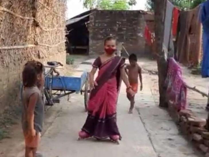 सीतापुर के रामकोट गांव में 11 साल की श्री गुप्ता साड़ी में स्केटिंग करके दे रही वैक्सीनेशन का संदेश, अपने दादा-दादी को वैक्सीन के लिए अस्पताल ले जाने पर मिली इस काम की प्रेरणा लाइफस्टाइल,Lifestyle - Dainik Bhaskar