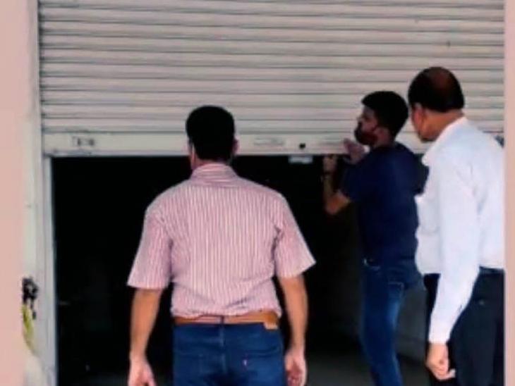 4 महीने बाद डीएलबी की फटकार के बाद खुली सीज, व्यापारियों ने ली राहत की सांस उदयपुर,Udaipur - Dainik Bhaskar