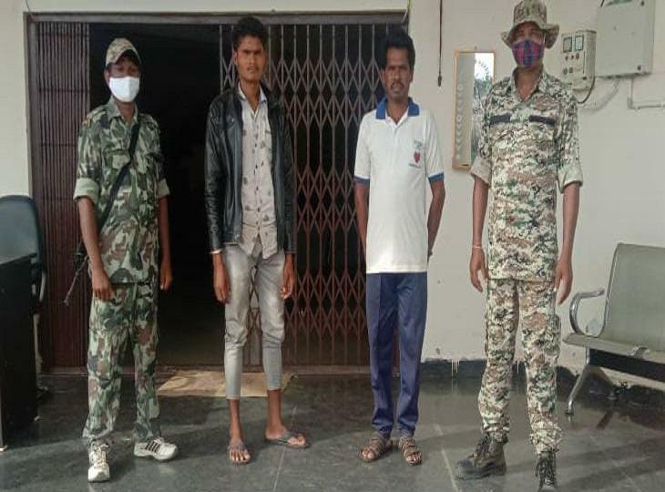 बीमार नक्सलियों के लिए दवाइयां ले जा रहे थे सप्लाई टीम के 2 सदस्य, आवापल्ली में पुलिस ने पकड़ा, इधर गंगालूर में भी 1 नक्सली गिरफ्तार|बीजापुर,Bijapur - Dainik Bhaskar