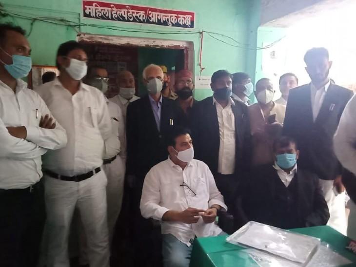 एसपी सिंह का तंज- बलिया में JCB से शवों को गाड़ा गया, सरकार के लिए ये मुद्दा नहीं, मैंने ऑक्सीजन की बात की तो FIR हो गई|उत्तरप्रदेश,Uttar Pradesh - Dainik Bhaskar