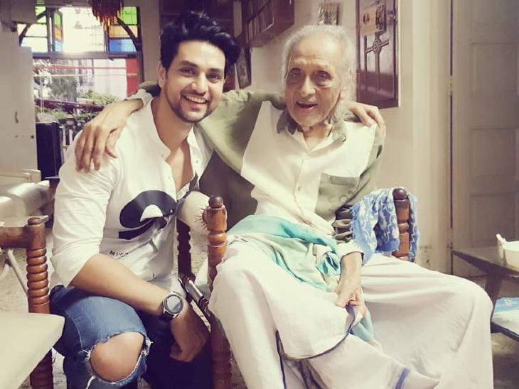 दिग्गज एक्टर चंद्रशेखर का 97 साल की उम्र में निधन, घर पर नींद में ली आखिरी सांस; उन्हें नहीं थी कोई भी बीमारी|बॉलीवुड,Bollywood - Dainik Bhaskar