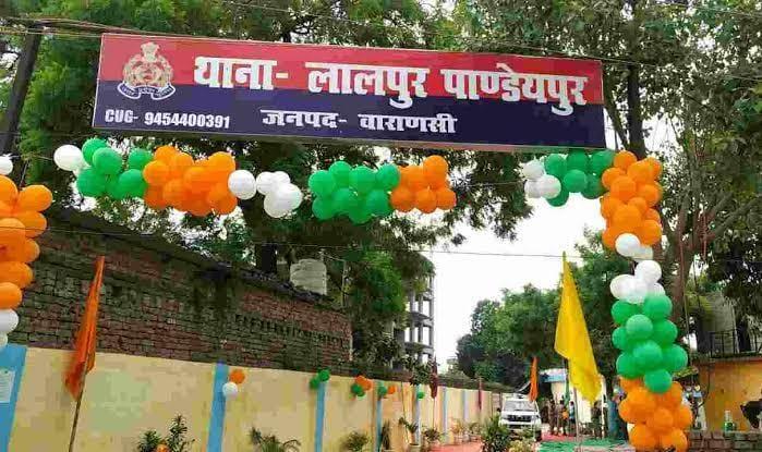 दवा व्यवसायी की बताई कंपनियों की दवाएं न लिखने पर डॉक्टर पर कराया हमला, मुकदमा दर्ज कर पुलिस कर रही तलाश|वाराणसी,Varanasi - Dainik Bhaskar