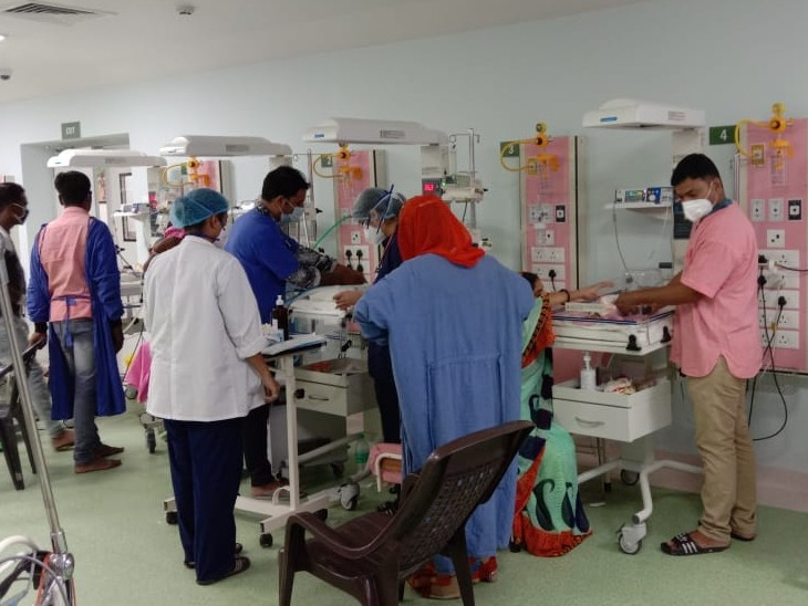 जेके लोन अस्पताल में फर्स्ट ग्रेड के बजाय सेंकड ग्रेड नर्सेज को कई जगह बना रखा इंजार्च, नर्सिंग अधीक्षक बोले जल्द बदल देंगे|कोटा,Kota - Dainik Bhaskar
