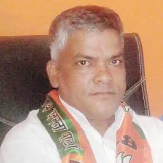 सपा की सदस्यता के कयास के बीच सीएम योगी की बैठक में पहुंचे राजेश निषाद, बोले-बीजेपी की नीतियों पर पूरा भरोसा|गोरखपुर,Gorakhpur - Dainik Bhaskar