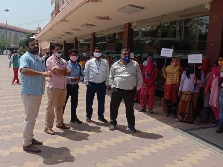 अगर सरकार डीए नहीं देगी और मांग नहीं मानेगी, तो हम चुनाव में सरकार की नहीं सुनेंगे|जयपुर,Jaipur - Dainik Bhaskar