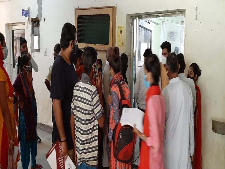 मेरठ मेडिकल कालेज में बुखार और पेट की बीमारियों के आ रहे सबसे ज्यादा मरीज,7 दिनों में संख्या 700 का आंकड़ा पार गई|मेरठ,Meerut - Dainik Bhaskar