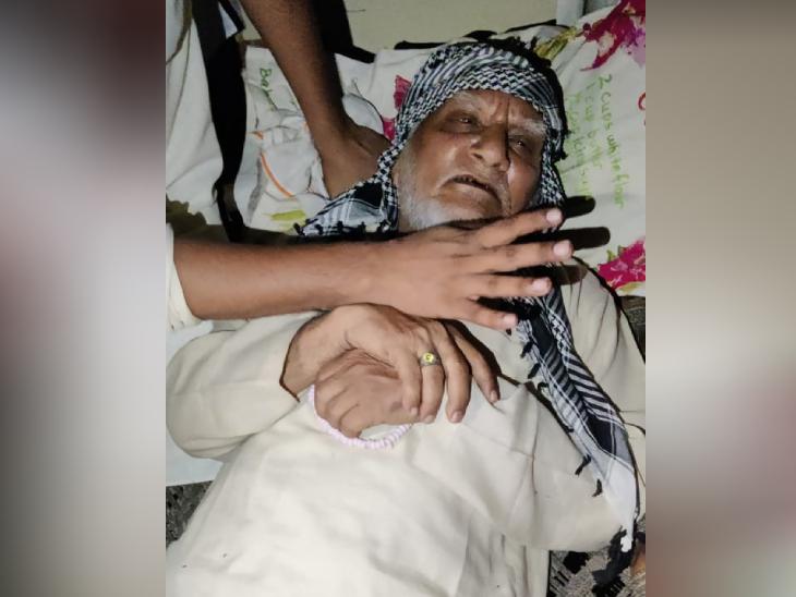 पीड़ित समद सैफी ये भी कहते हैं कि उन्हें इस बारे में न बोलने की धमकियां दी गई हैं। वे यह भी आशंका जताते हैं कि उन्हें कभी भी पुलिस गिरफ्तार कर सकती है।