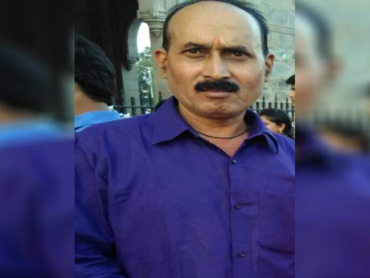 लावारिस हालत में पुलिस ने बरामद की ट्रांसपोर्टर की कार व मोबाइल, पुलिस को मिली डायरी में अनिल ने जताई थी अनहोनी की आशंका गोरखपुर,Gorakhpur - Dainik Bhaskar