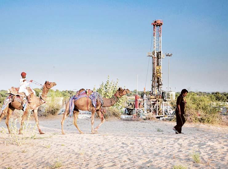 जैसलमेर, जोधपुर और बीकानेर के 3339 वर्ग किलोमीटर क्षेत्र में तेल की खोज करेगी ऑयल इंडिया; सरकार ने दो ब्लॉक के लाइसेंस दिए|जैसलमेर,Jaisalmer - Dainik Bhaskar