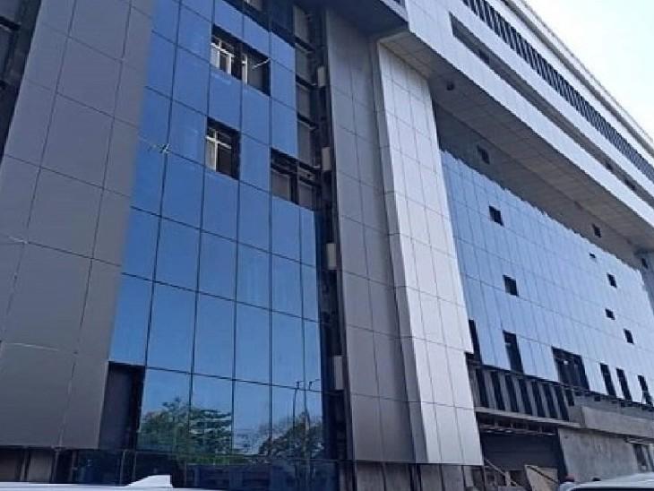 60-60 हजार रुपए में मरीजों को दिए थे बेड, सीएम हेल्पलाइन में शिकायत के बाद अस्पताल प्रबंधन का जवाब- नई एजेंसी की नियुक्ति कर दी है|इंदौर,Indore - Dainik Bhaskar