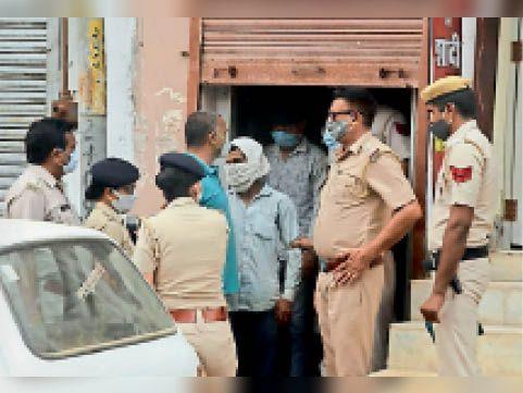 दादरी। पुलिस ने कैफे पर छापा मारकर पकड़ा देह व्यापार। - Dainik Bhaskar