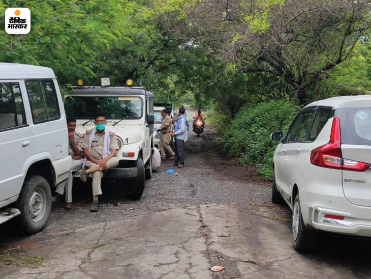 शर्मीली को पकड़ने के लिए वन विभाग की टीम पूरी रात डटी रही।