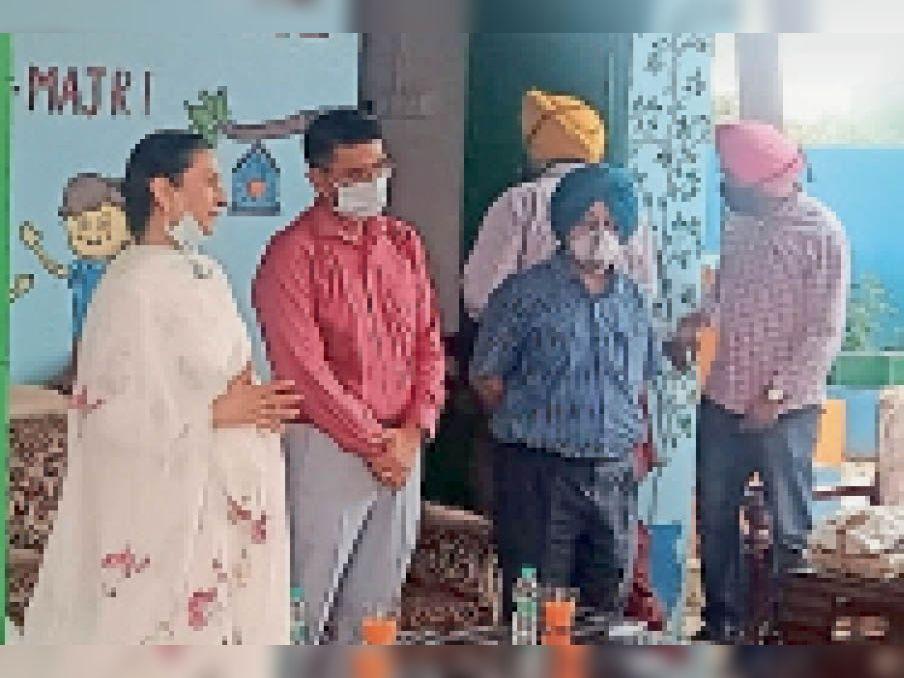 टेक होम स्कीम की शुरुआत करने के लिए पहुंची कैबिनेट मंत्री अरुणा चौधरी। - Dainik Bhaskar