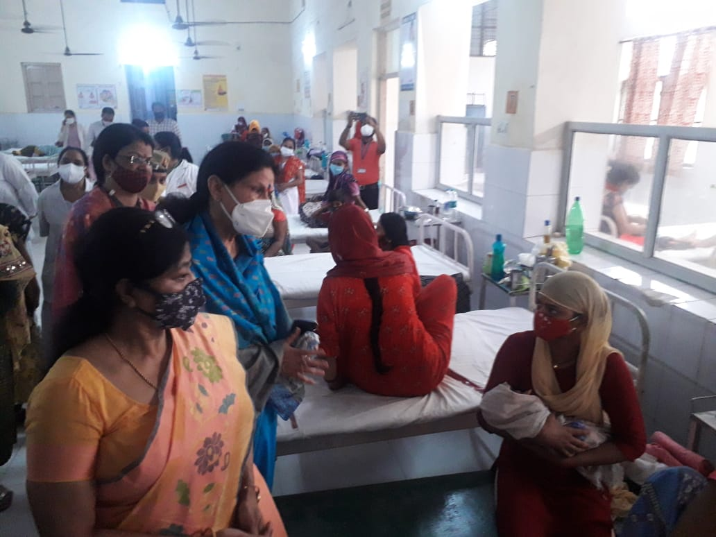 उर्सला अस्पताल के बाल रोग विभागाध्यक्ष डॉ. जीएन द्विवेदी की देखरेख में बन रहे इस नए यूनिट को देखा।