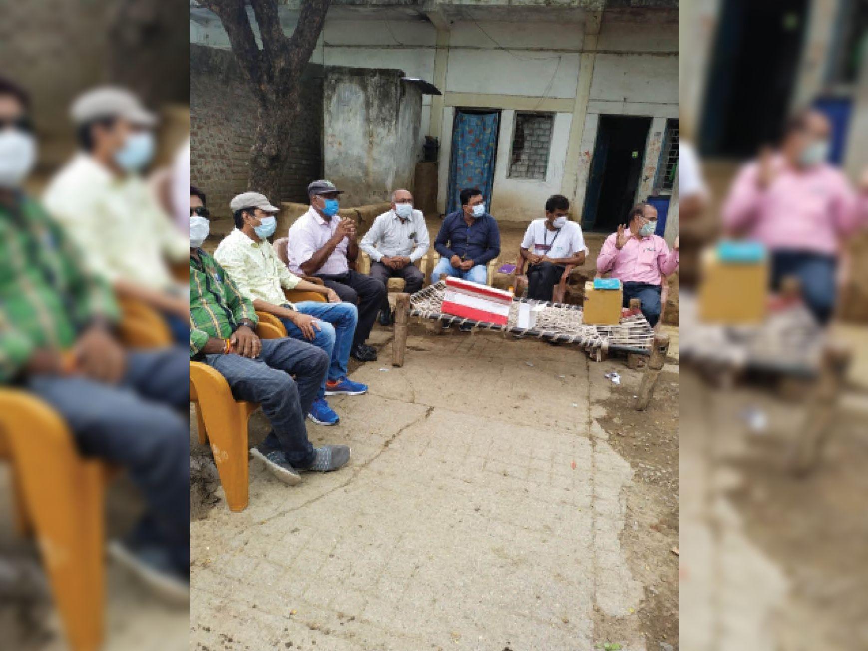कुष्ठ रोगियों के साथ परिजन को रविवार को लगेगा कोरोना वैक्सीन|खंडवा,Khandwa - Dainik Bhaskar
