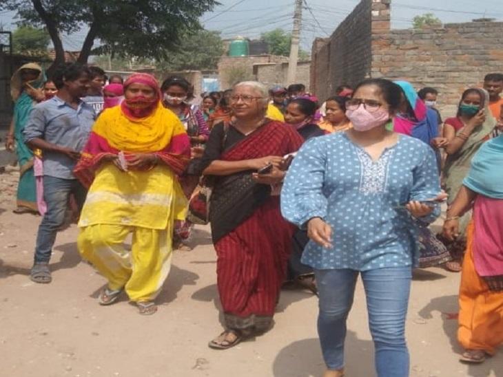 नर्मदा बचाओ आंदोलन की मुखिया मेघा पाटकर पहुंची खोरी कॉलाेनी, बोलीं, हरियाणा सरकार को थोड़ी तो शर्म आनी चाहिए, टीकरी बाॅर्डर पर किसानों का शोषण, यहां गरीबों की छत उजाड़ रही|फरीदाबाद,Faridabad - Dainik Bhaskar
