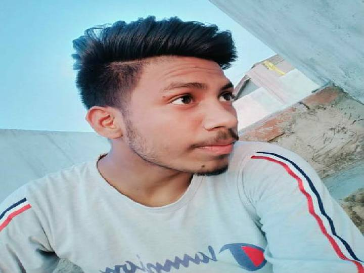 सीएचसी पहुंचने पर डॉक्टरों ने लड़के को मृत घोषित कर दिया। - Dainik Bhaskar