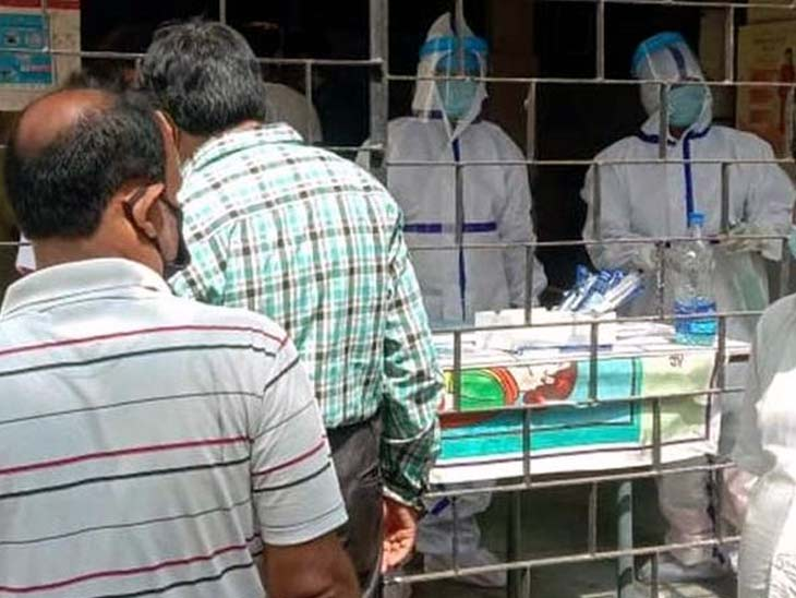 अब राज्य में कुल संक्रमितों की संख्या 3,43,983 हो गई है। (फाइल) - Dainik Bhaskar