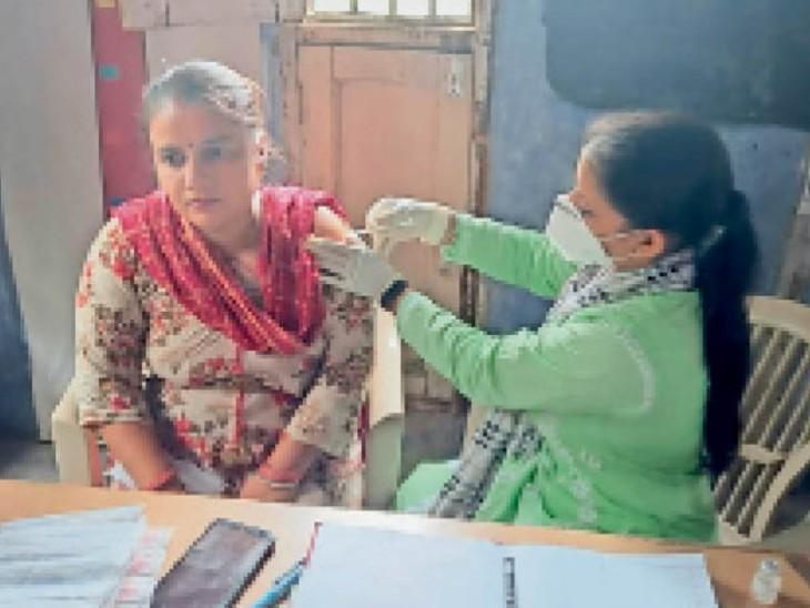 वैक्सीनेशन में प्रदेश में अम्बाला तीसरे नंबर पर, जनसंख्या के हिसाब से पहले पर|अम्बाला,Ambala - Dainik Bhaskar