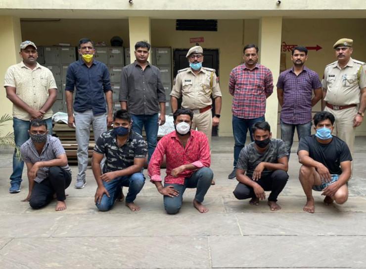 जयपुर के विश्वकर्मा इलाके में युवक की पीट-पीटकर हत्या करने की वारदात में गिरफ्तार पांच आरोपी - Dainik Bhaskar