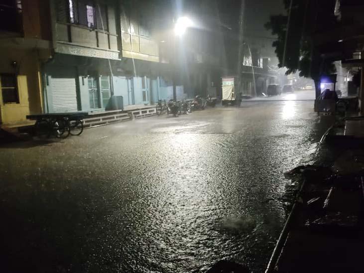 चित्तौड़गढ़ के निंबाहेड़ा में देर रात जमकर बारिश हुई।