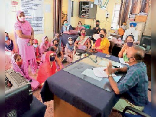 आंगनबाड़ी केंद्रों में हाेगा बदलाव प्रस्ताव जल्द डीडी काे भेजा जाएगा|श्रीकरणपुर,Sri karanpur - Dainik Bhaskar