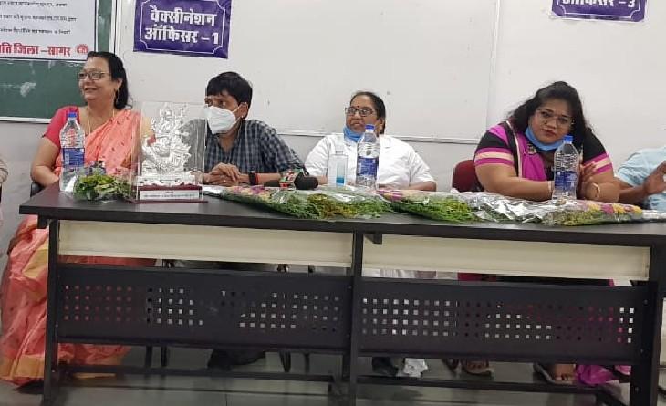नर्सिंग एसोसिएशन की बैठक। - Dainik Bhaskar