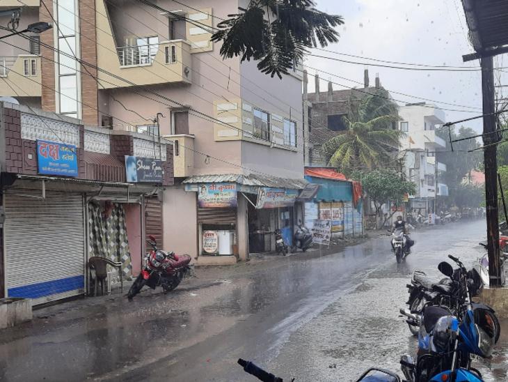मानसून की पहली मूसलाधार बारिश में रतलाम जिले के जावरा तहसील में रिकॉर्ड 6.5 इंच बारिश, रतलाम जिले में ढाई इंच बारिश दर्ज , किसानों ने शुरू की बोवनी की तैयारी रतलाम,Ratlam - Dainik Bhaskar