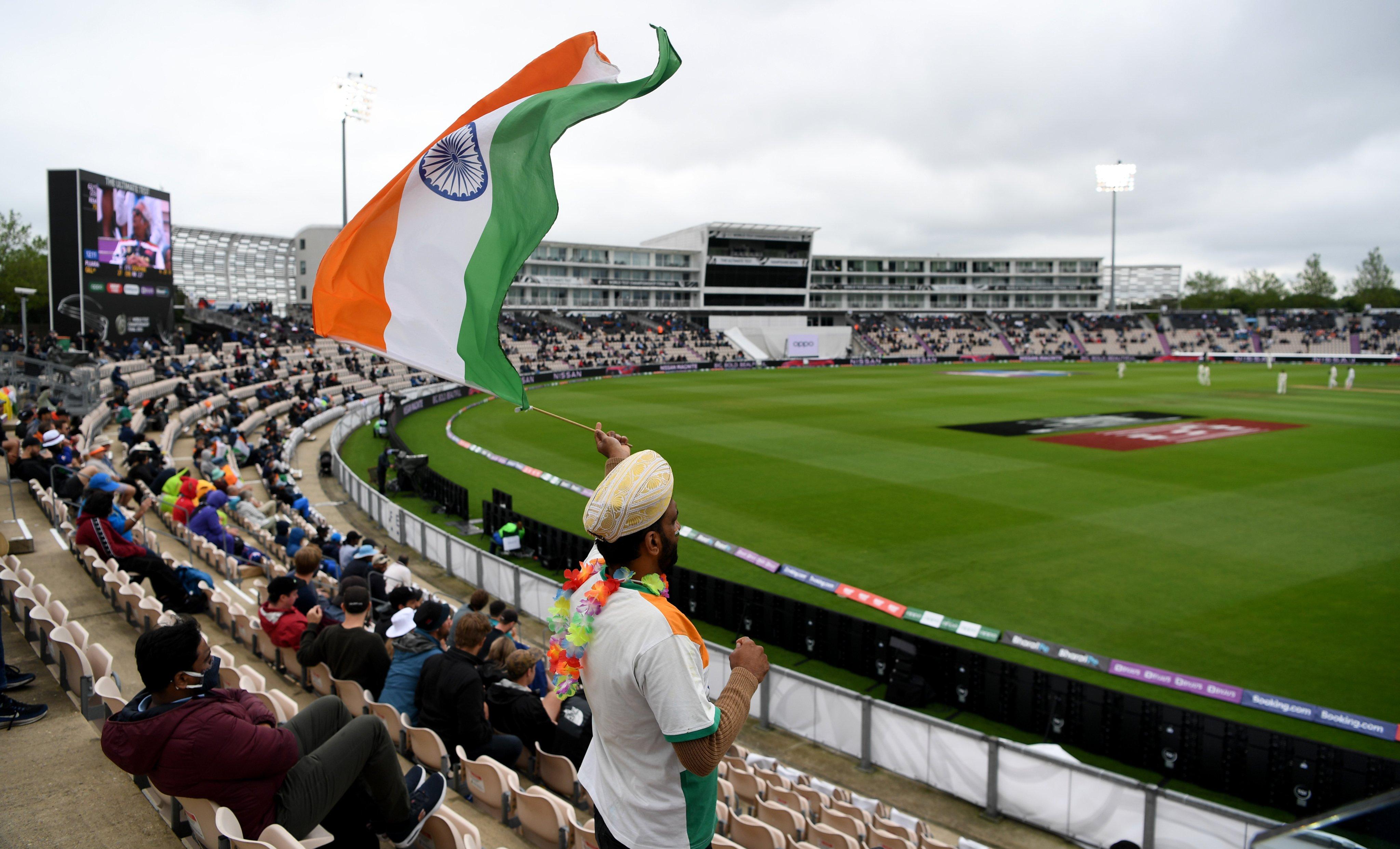 फाइनल के लिए 4 हजार फैंस को स्टेडियम में एंट्री दी गई।