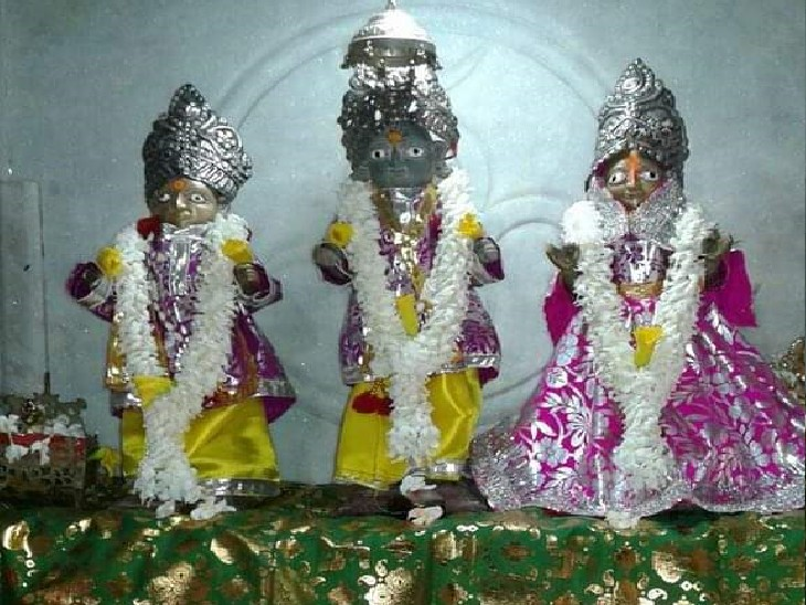 पटना के मंदिर में चोरी; खिड़की तोड़ भगवान राम, सीता, लक्ष्मण व हनुमान जी की 300 साल पुरानी मूर्तियां ले उड़े चोर|पटना,Patna - Dainik Bhaskar