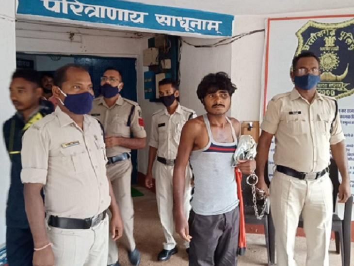 ससुराल से लौट रहा था युवक, रास्ते में गमछा लपेटकर चाकू की नोक पर 4.5 लाख रुपए छीने; 6 दिन बाद साले सहित 2 गिरफ्तार छत्तीसगढ़,Chhattisgarh - Dainik Bhaskar