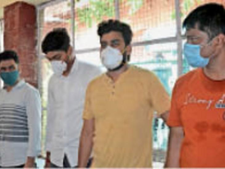मेडिकल काॅलेज की डीन सहित सात अफसरों के चैंबर सीज, रिकॉर्ड भी जब्त|अलवर,Alwar - Dainik Bhaskar