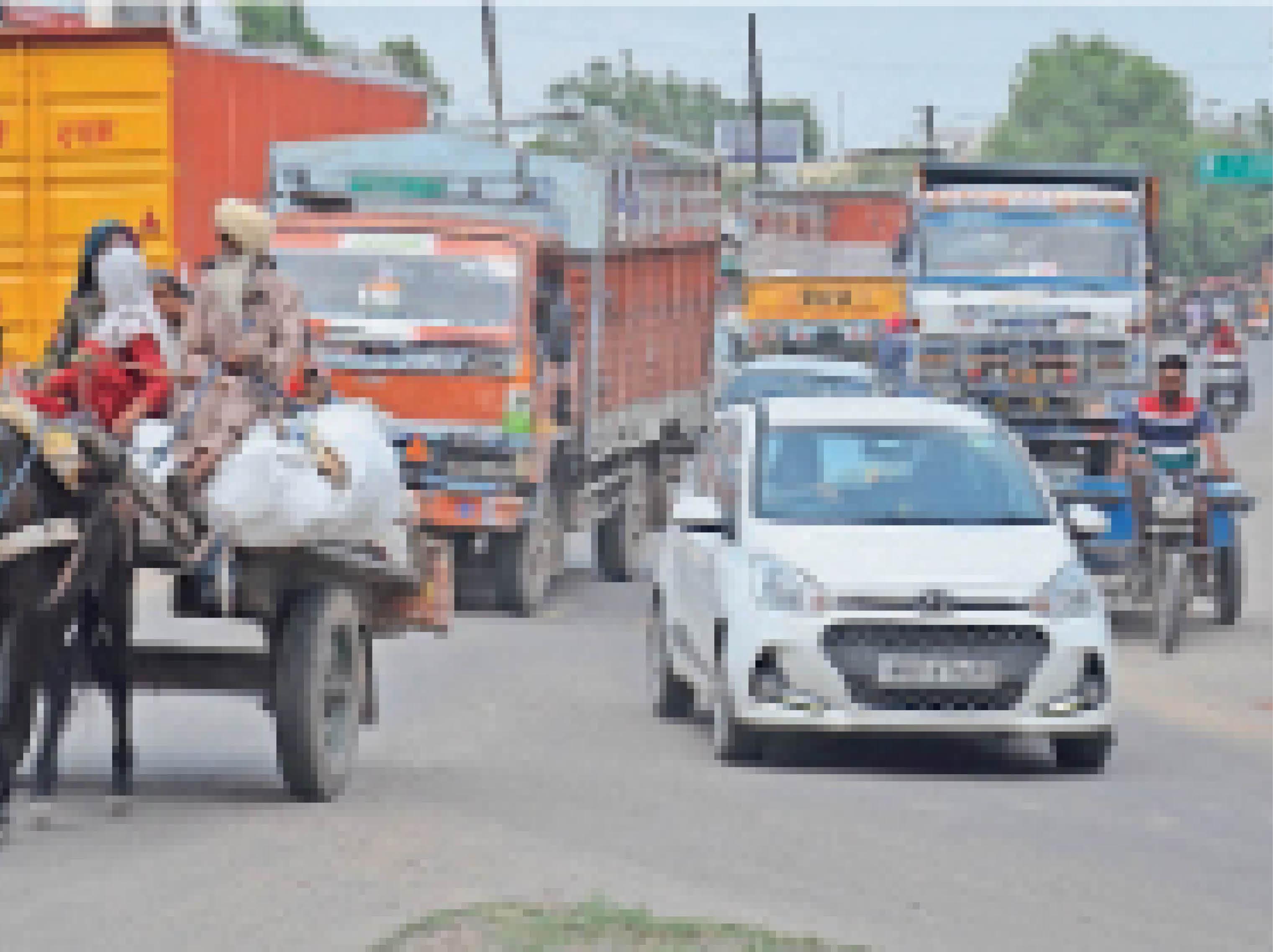 अम्बाला सिटी | अम्बाला-नारायणगढ़ राेड से गुजरते वाहन। - Dainik Bhaskar