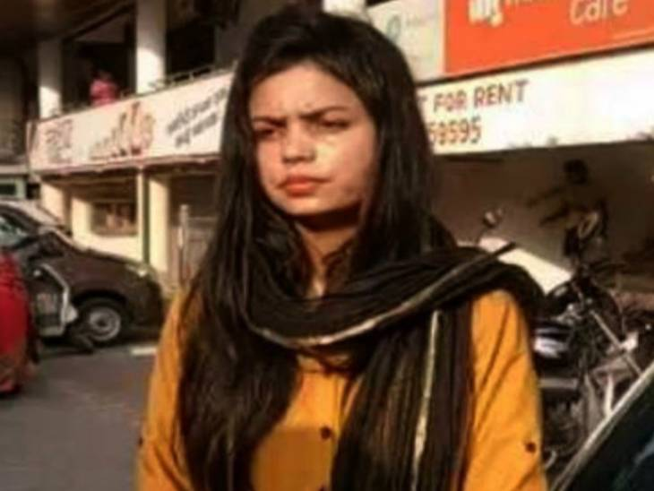 इंटरनेशनल शूटर वर्तिका सिंह ने 25 लाख रुपए घूस मांगने का लगाया था आरोप; स्मृति ईरानी और उनके निजी सचिव को हाईकोर्ट का नोटिस, 26 जुलाई को सुनवाई|लखनऊ,Lucknow - Dainik Bhaskar