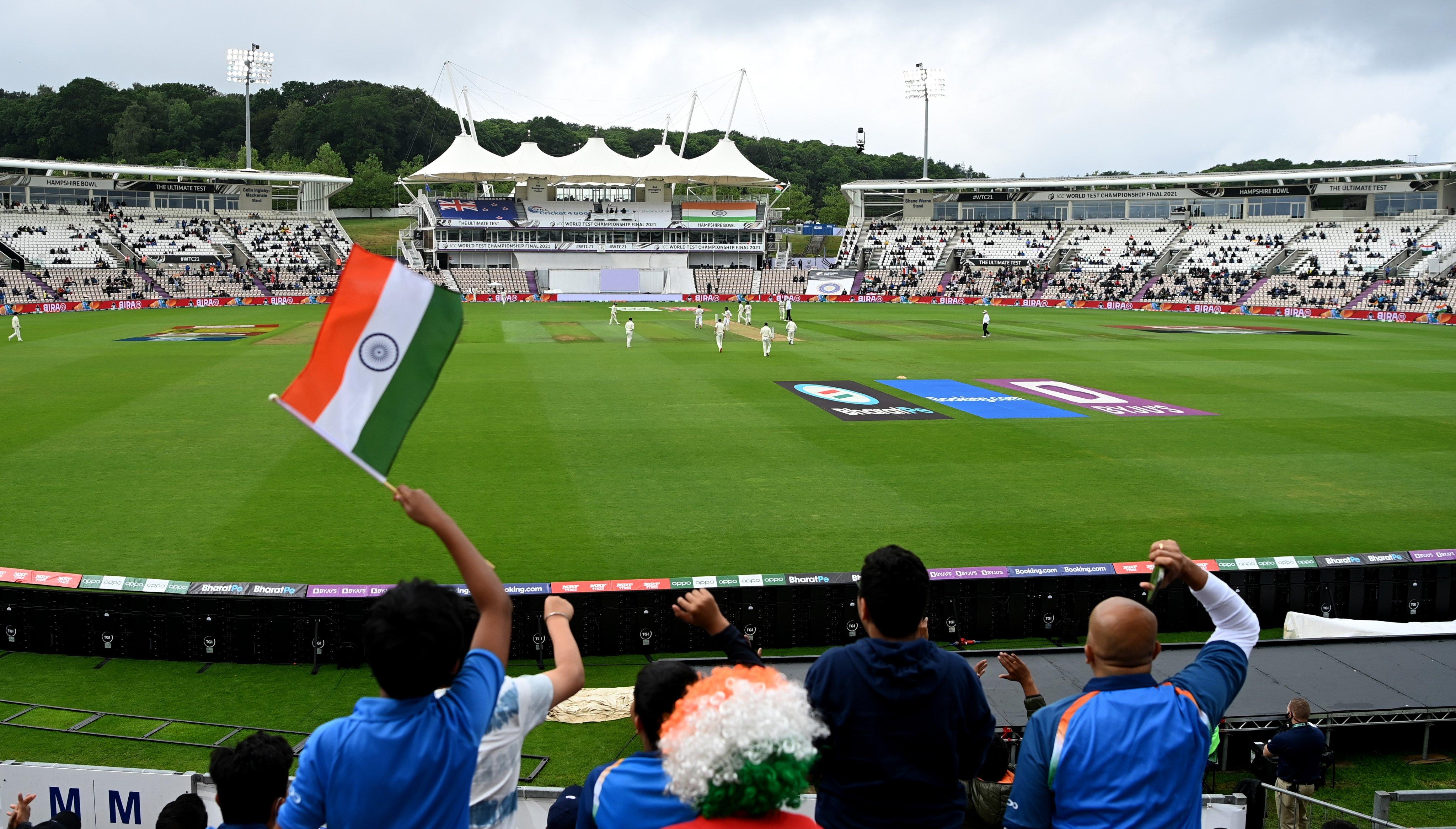फाइनल के लिए 4 हजार फैंस के स्टेडियम में एंट्री दी गई।