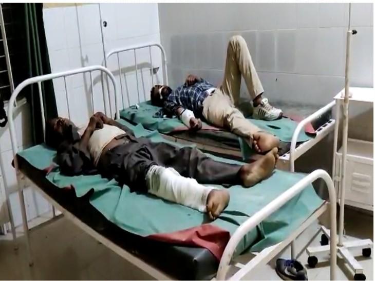 टेंपो व कार की सामने से टक्कर, दो अन्य घायलों को कानपुर किया रेफर कानपुर,Kanpur - Dainik Bhaskar
