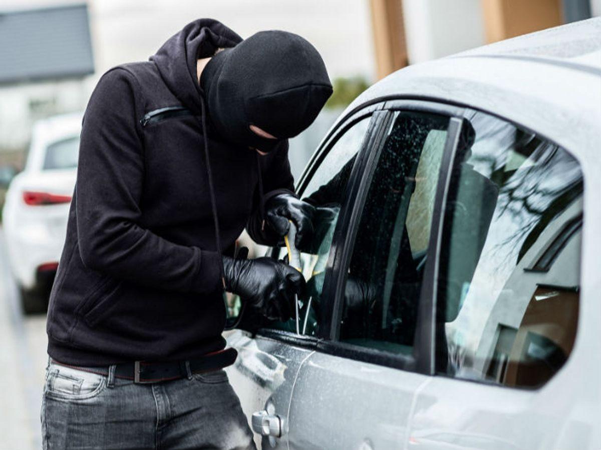 कार चोरी कर फर्जी नंबर प्लेट लगाकर चला रहे थे, क्राइम ब्रांच ने गिरफ्तार किया इंदौर,Indore - Dainik Bhaskar