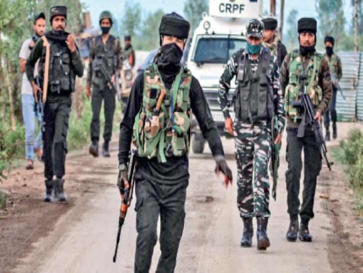 खुफिया रिपोर्ट बता रहीं हैं पाक सेना सीमा पार आतंकियों को नए सिरे से दे रही ट्रेनिंग|देश,National - Dainik Bhaskar
