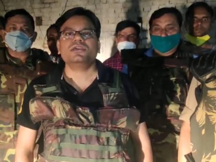 पुलिस मुठभेड़ में शातिर ट्रक लुटेरा मसूद के पैर में लगी गोली, गिरफ्तार कर इलाज के लिए भेजा गया अस्पताल|प्रयागराज (इलाहाबाद),Prayagraj (Allahabad) - Dainik Bhaskar