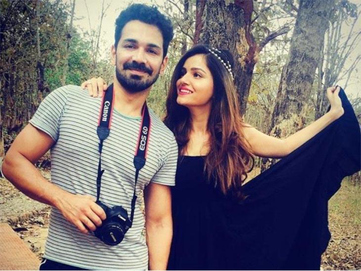 रुबीना दिलाइक और अभिनव शुक्ला ने वीडियो कॉल पर सेलिब्रेट की मैरिज एनिवर्सरी, लिखा- मैं यहां, तू वहां|टीवी,TV - Dainik Bhaskar