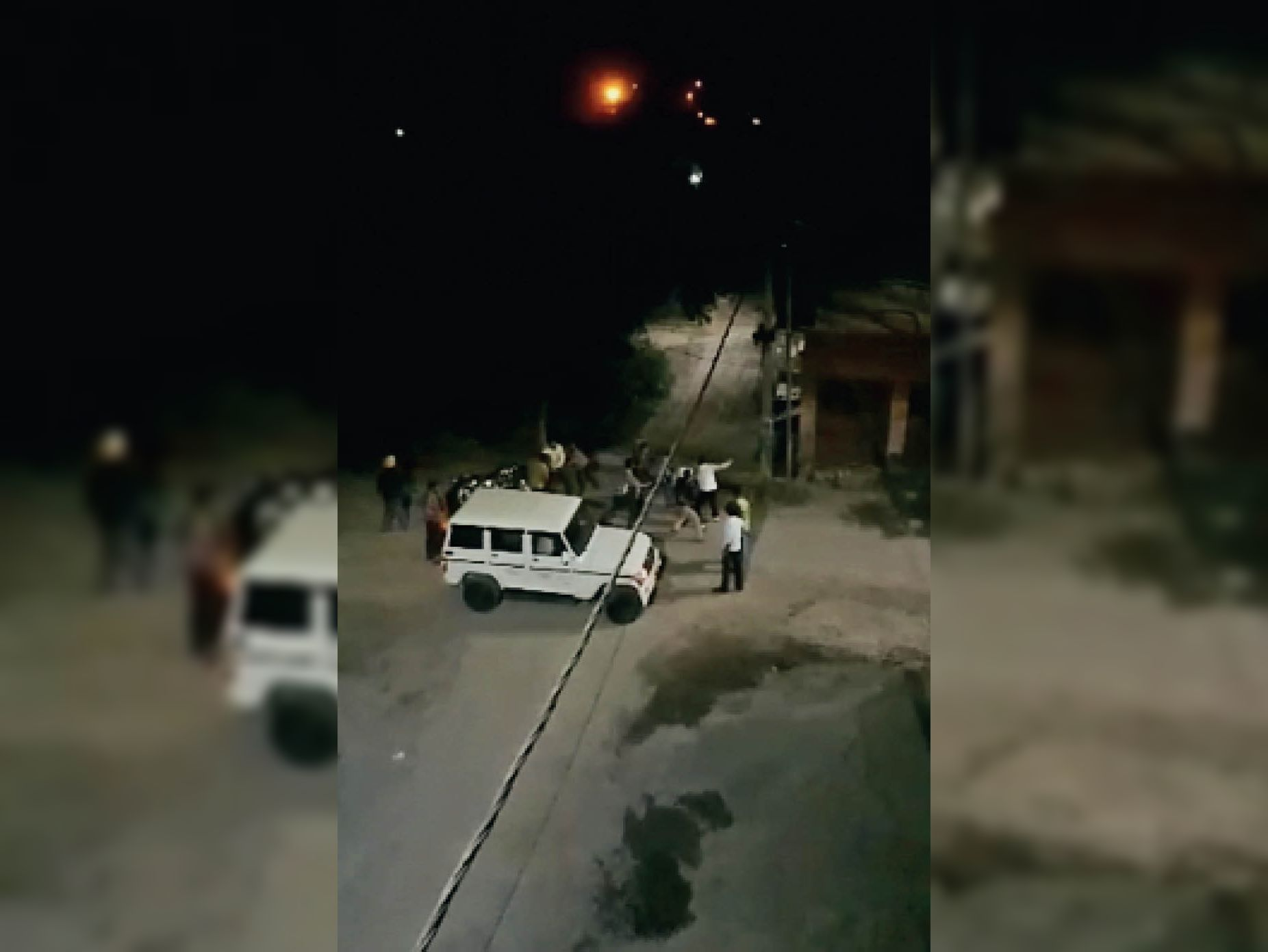 गाड़ी पीछे करने के झगड़े में 2 दर्जन युवकों ने शराब कारोबारी के कारिंदे को तलवारों से काटा, मौत|अमृतसर,Amritsar - Dainik Bhaskar