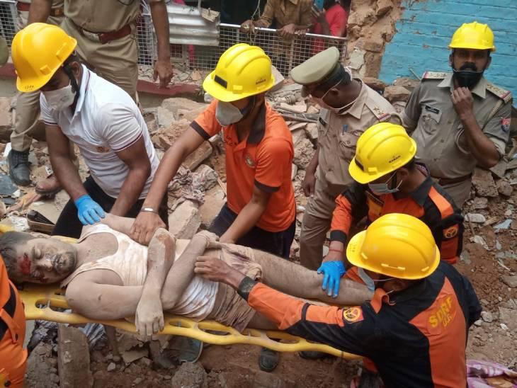 कमरे में सो रहे युवक के ऊपर गिरी छत, SDRF ने मलबे को हटाकर निकाला शव; रेस्क्यू खत्म लखनऊ,Lucknow - Dainik Bhaskar