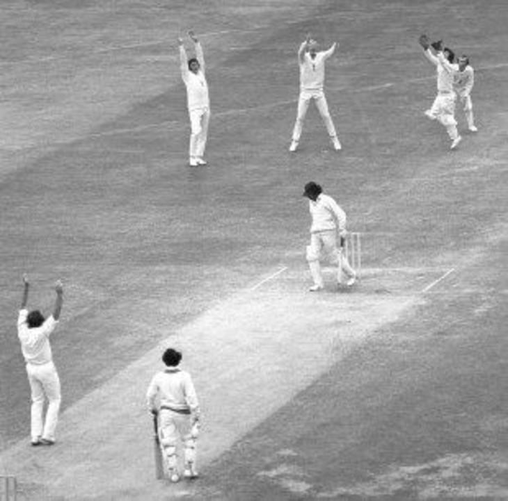 24 जून 1974 को इंग्लैंड के खिलाफ भारतीय पारी 42 रन पर सिमट गई थी। भारत के बृजेश पटेल को क्रिस ओल्ड की गेंद पर विकेटकीपर एलन नॉट ने कैच किया।