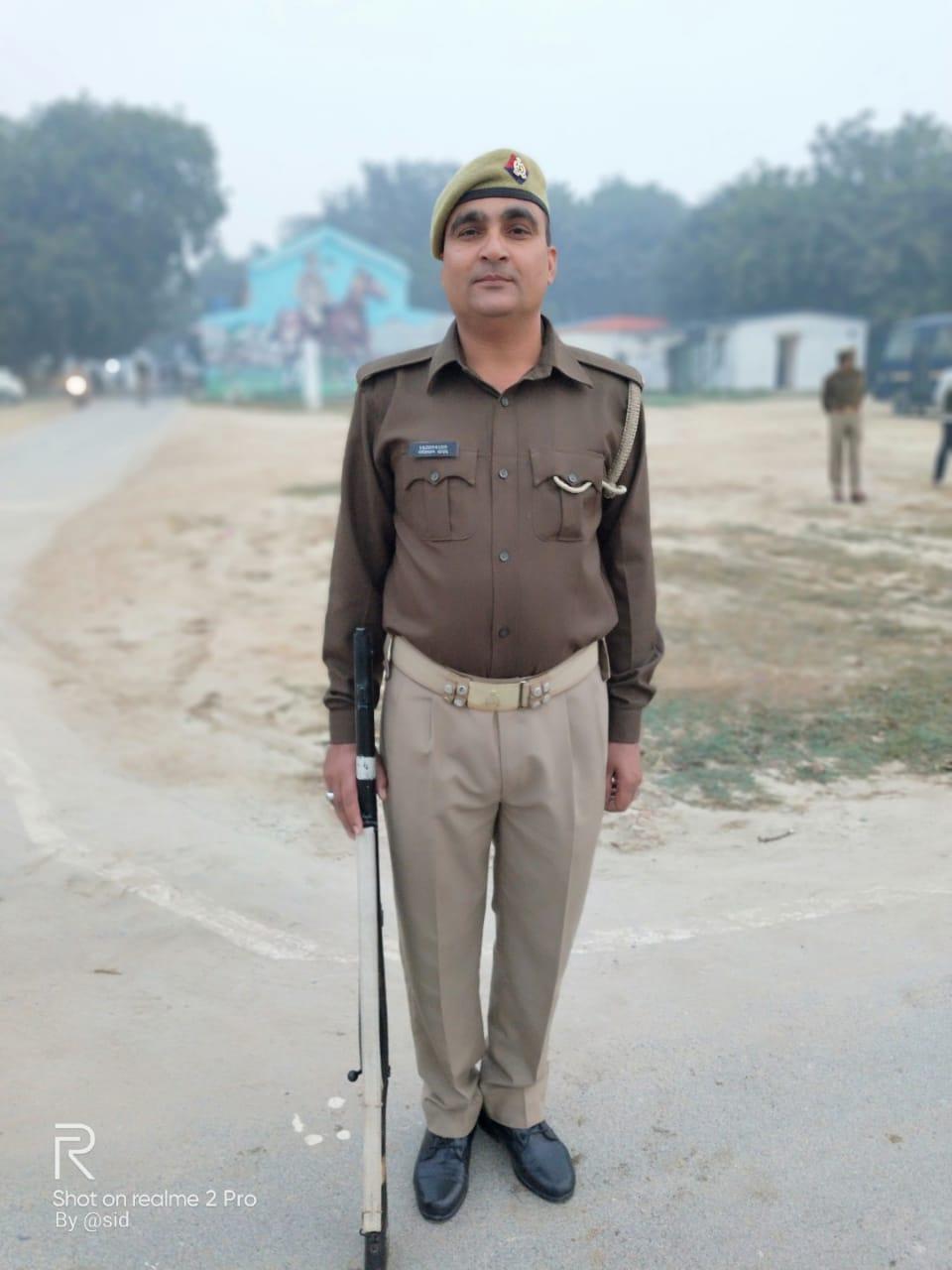 सिपाही राधेश्याम यादव पुलिस में भर्ती होने से पहले आर्मी में थे।- फाइल फोटो - Dainik Bhaskar